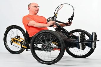 Development of new fully suspended hand trike